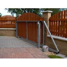 Samonosná posuvná brána - levá , max. šíře průjezdu: 3,5m